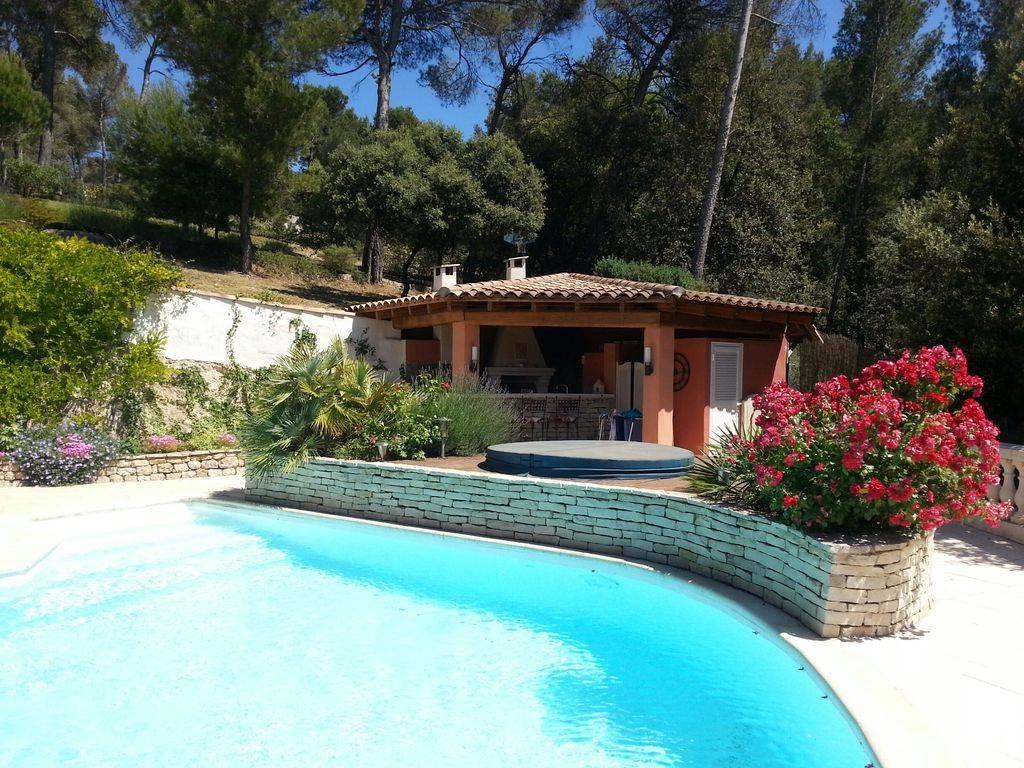 Charmante villa fleurie vue panoramique grande piscine - Piscine plein air aix en provence ...