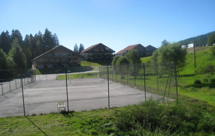 Location de vacances - Appartement à Gérardmer - tennis prive