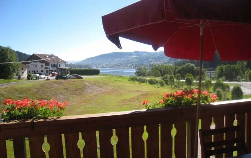 Location de vacances - Appartement à Gérardmer - vue lac