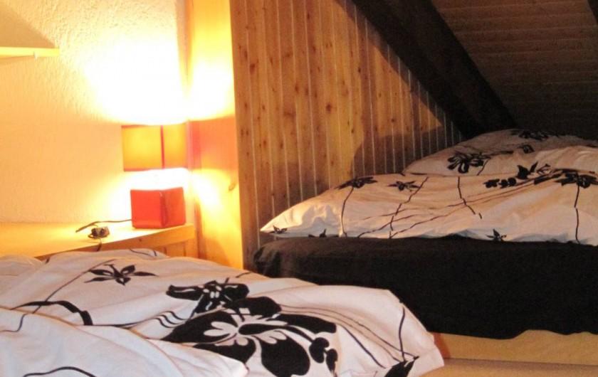 Location de vacances - Chalet à Crans-Montana - Mezzanine 2 lits simple