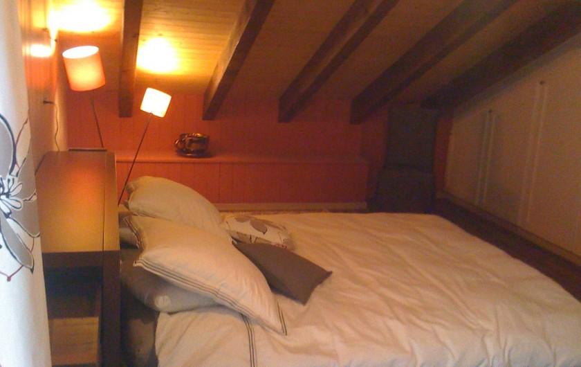 Location de vacances - Chalet à Crans-Montana - 2e chambre parentale à l'étage