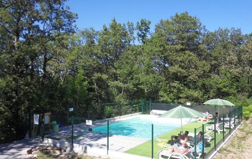 Location de vacances - Gîte à Le Soulié - La piscine