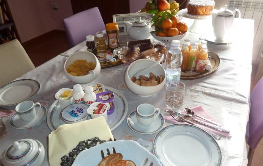 Location de vacances - Chalet à Pozzuoli - Petit déjeuner en chambre