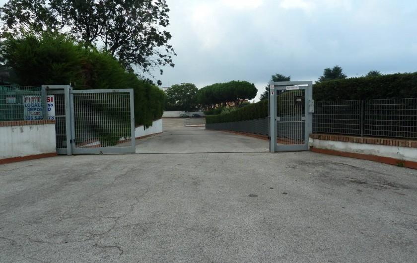Location de vacances - Chalet à Pozzuoli - entrée sur la route principale