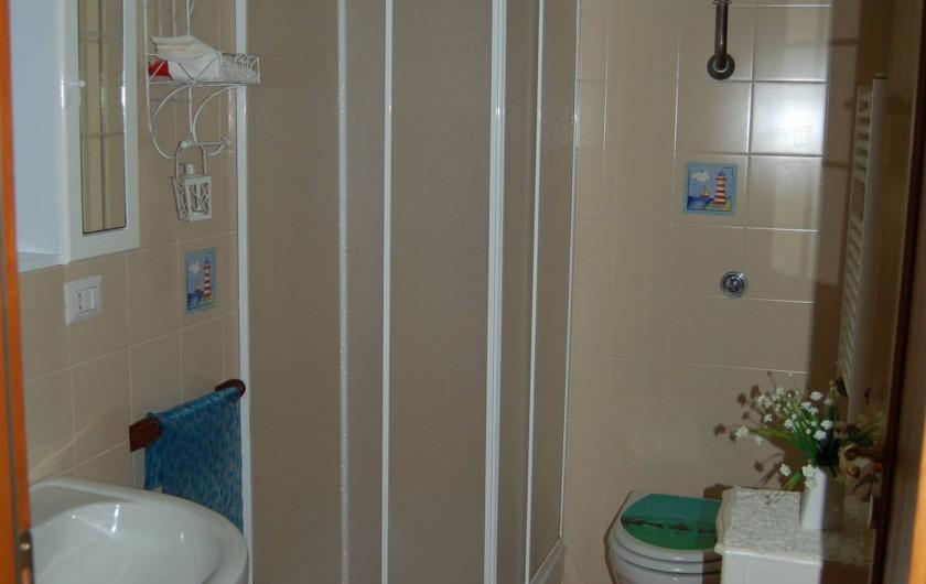 Location de vacances - Chalet à Pozzuoli - wc avec douche