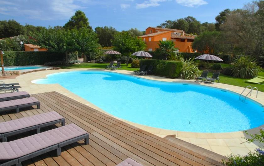 Location de vacances - Appartement à Sainte-Lucie de Porto-Vecchio - PISCINE