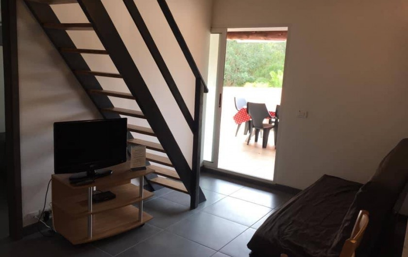 Location de vacances - Appartement à Sainte-Lucie de Porto-Vecchio - coin TV