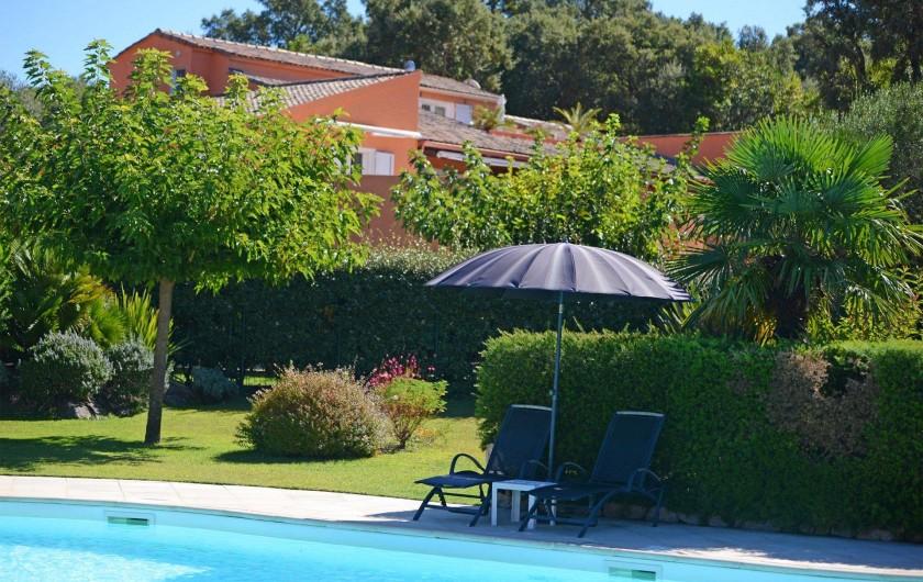 Location de vacances - Appartement à Sainte-Lucie de Porto-Vecchio - PISCINE VUE RESIDENCE