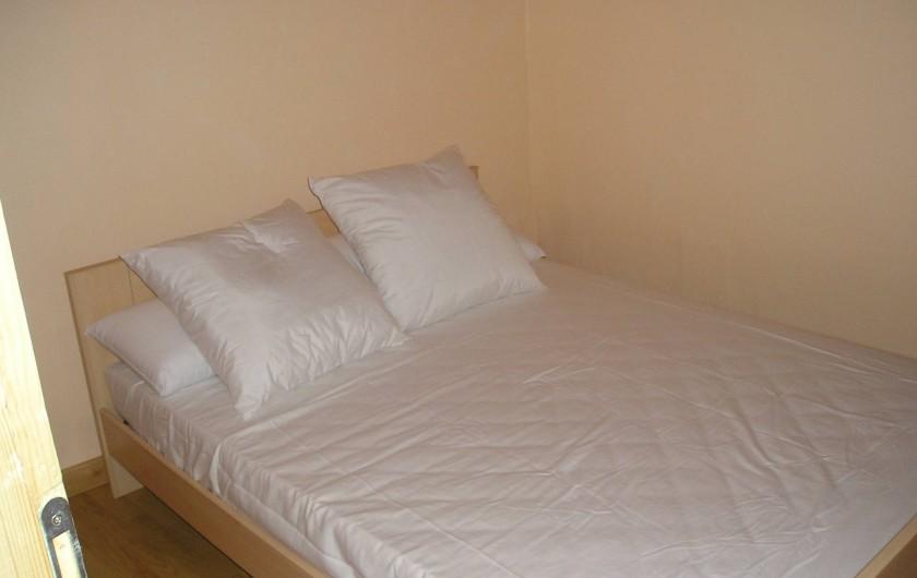 Location de vacances - Gîte à Les Ablatats - chambre lit double
