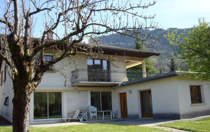 Location de vacances - Gîte à Pont-en-Royans - Gîte-Maison avec vue sur la rivière La Bourne.