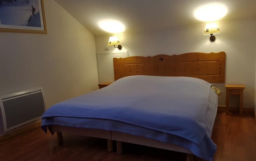 Location de vacances - Chalet à Le Dévoluy - chambre 2, deux lits 80 cm ( juxtaposés ou non)