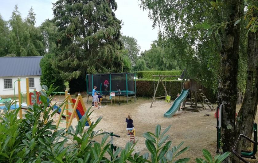 Location de vacances - Camping à Mézières-sous-Lavardin - Un espace conviviale et familial