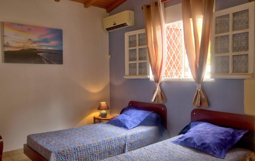 Location de vacances - Villa à Lamentin - chambre