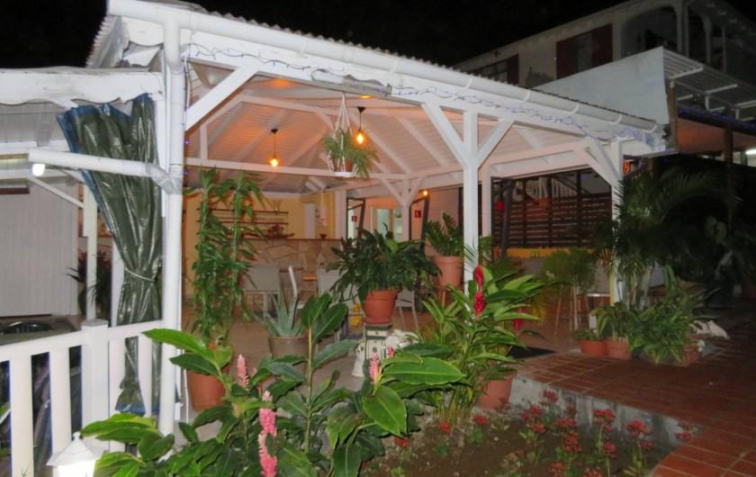 Location de vacances - Villa à Lamentin - table d'hôte