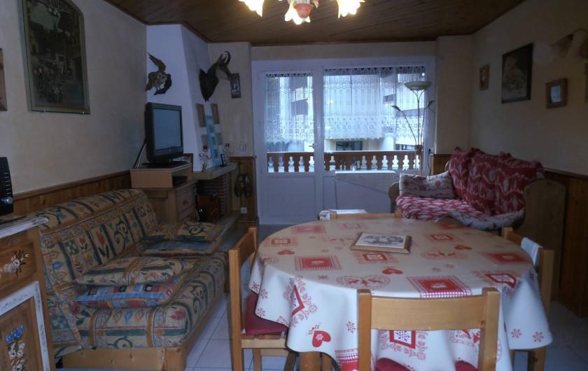 Location de vacances - Appartement à La Clusaz - salon salle à manger