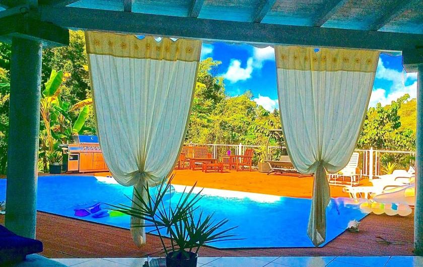 Location de vacances - Chambre d'hôtes à Le Gosier - Soleil soleil pour vous toute la journée toujours sans vis à vis