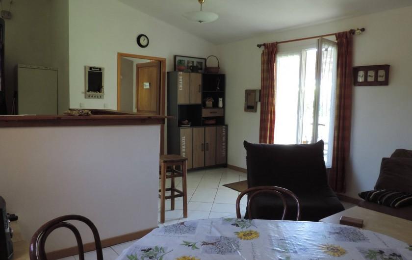Location de vacances - Villa à Villecroze - SEJOUR ET COIN REPAS