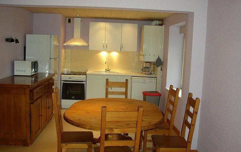 Location de vacances - Appartement à Les Planches-prés-Arbois - Cuisine ouverte sur le séjour