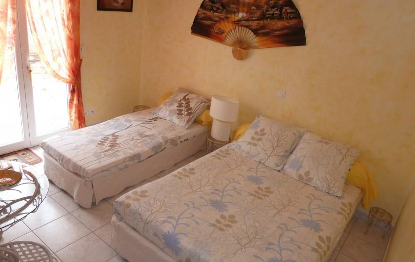 Location de vacances - Chambre d'hôtes à Le Bosc - LA CHAMBRE JAUNE