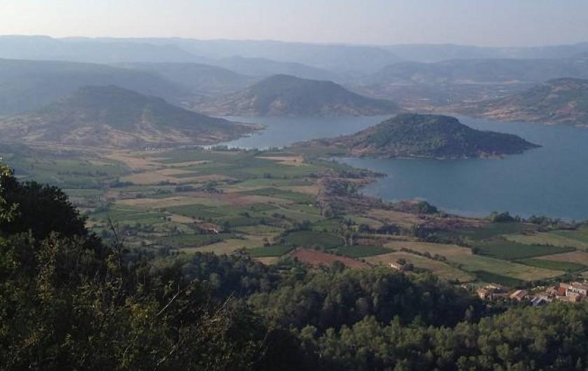 Location de vacances - Chambre d'hôtes à Le Bosc - LE LAC SUR SALAGOU