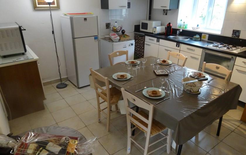 Location de vacances - Maison - Villa à Lacave - Les Galets Pièce à vivre Partie Salle à manger cuisine(2013)-