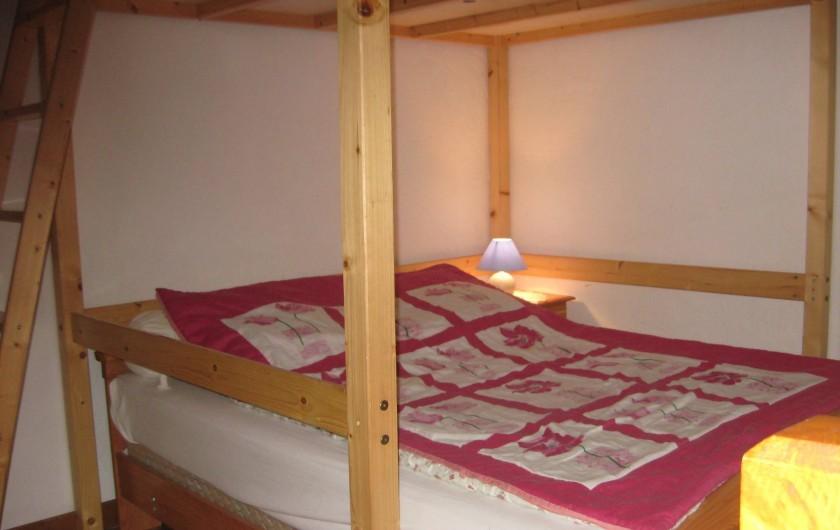 Location de vacances - Chalet à Hauteluce - Lit 140 avec deuxième lit mezzanine en 140.
