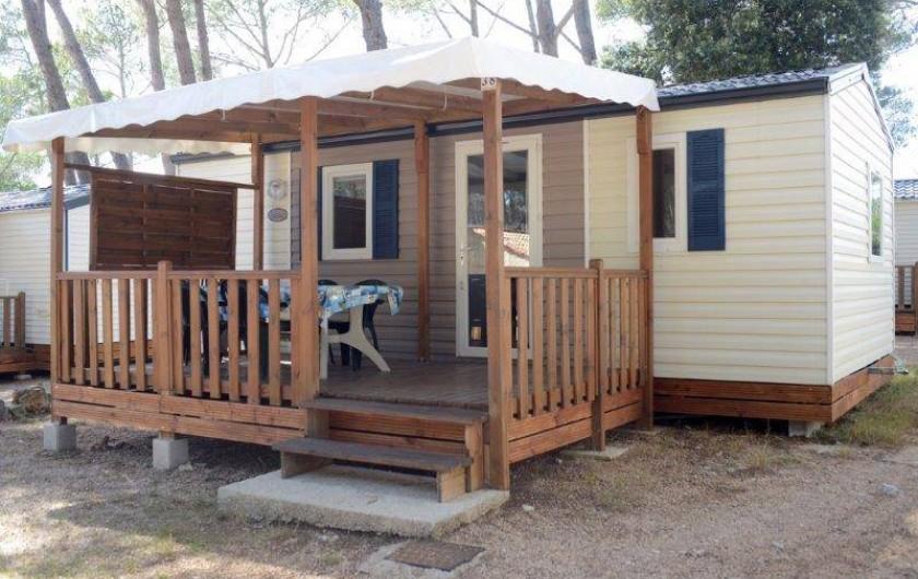 """Location de vacances - Bungalow - Mobilhome à Le Camp - Vue extérieure du mobil home """"Evasion"""""""