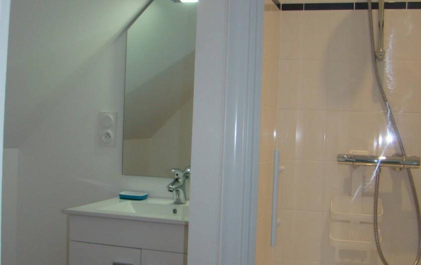Location de vacances - Appartement à Vannes - Salle de douche 'Est'