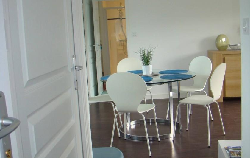 Location de vacances - Appartement à Vannes - Vu de l'entrée dans l'appartement