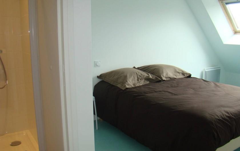 Location de vacances - Appartement à Vannes - Chambre 'Est' avec sa salle de douche