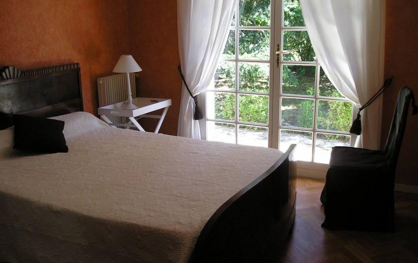 Location de vacances - Villa à Queyrac - Chambre 2 accès direct terrasse Sud