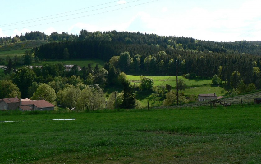 Location de vacances - Gîte à Saint-Victor-Malescours - Vue depuis le gîte
