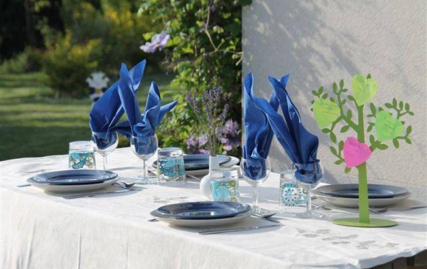 Location de vacances - Chambre d'hôtes à Fauvillers - Table d'hôtes en été