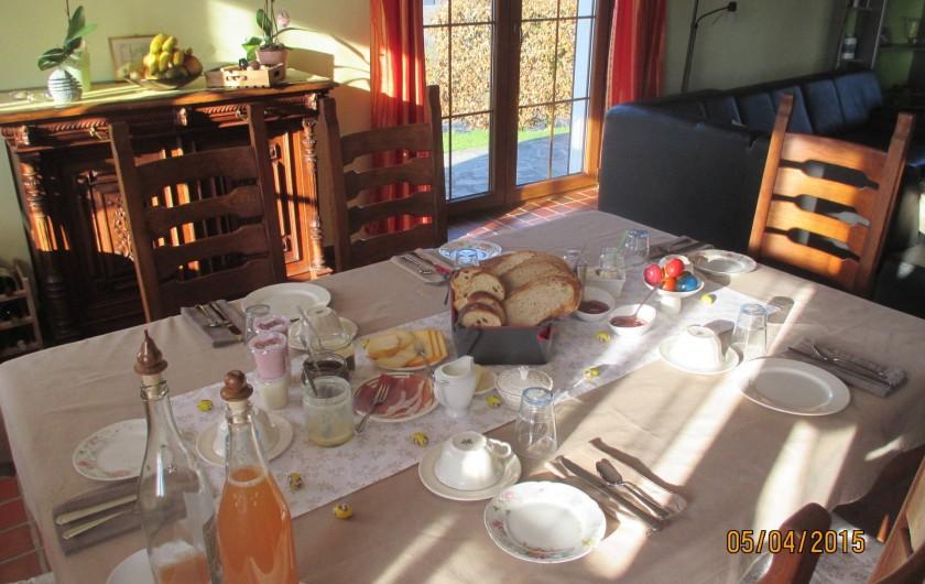 Location de vacances - Chambre d'hôtes à Fauvillers - Petit déjeuner du terroir