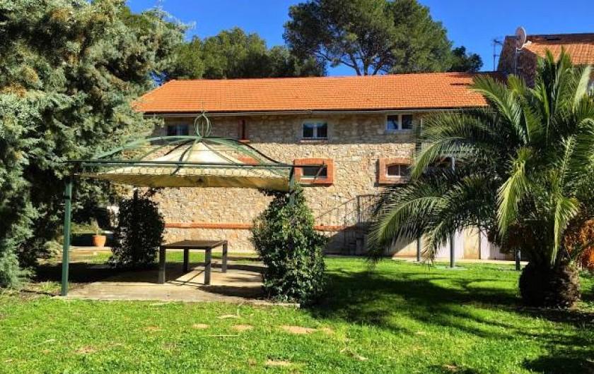 Location de vacances - Appartement à La Londe-les-Maures - Extérieur des Figuiers.
