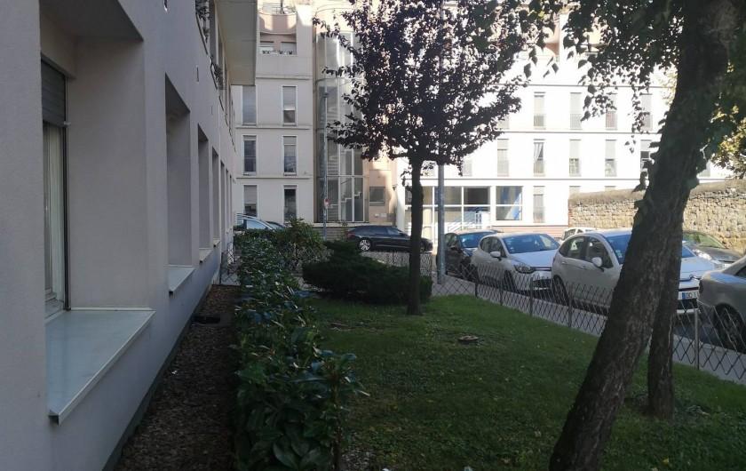 Location de vacances - Appartement à Saint-Étienne - La vu de dehors