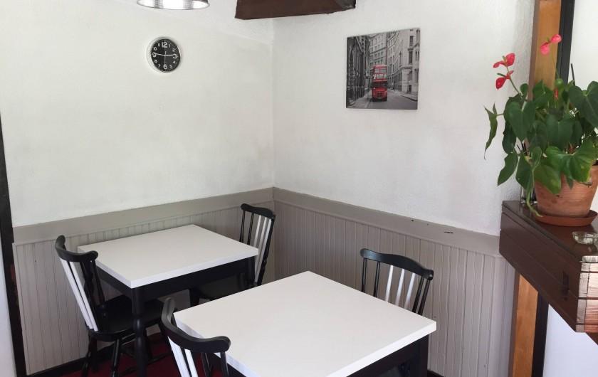 Location de vacances - Hôtel - Auberge à Escolives-Sainte-Camille - salle du bar