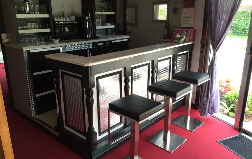 Location de vacances - Hôtel - Auberge à Escolives-Sainte-Camille - comptoir du bar