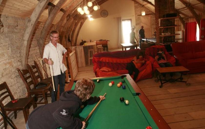 Location de vacances - Gîte à Sorans-lès-Breurey - Billard américain de la salle de jeux