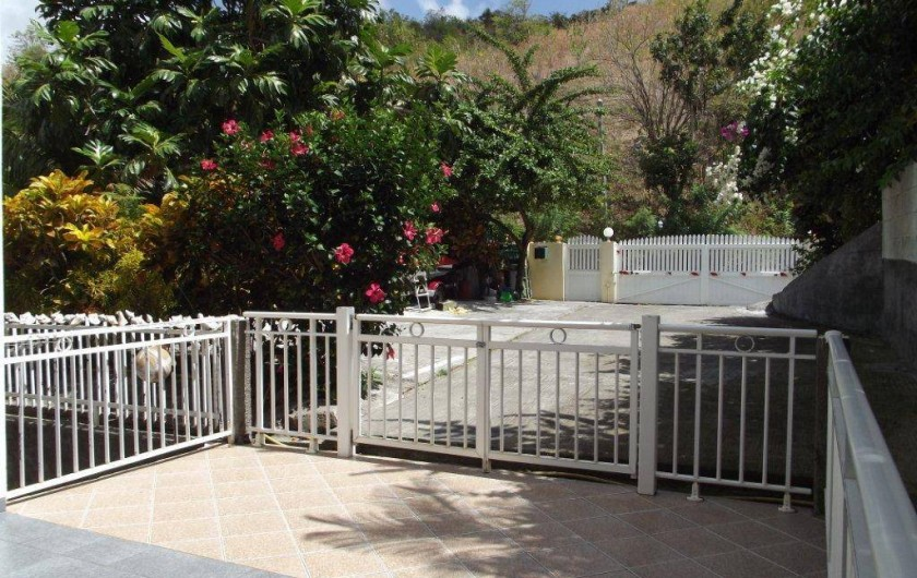 Location de vacances - Villa à Les Anses-d'Arlet - Entrée Parking