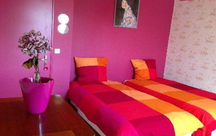 Location de vacances - Maison - Villa à Pléneuf-Val-André - chambre framboise  2 lits ou montée en  lit  king size pour un couple(180X190)