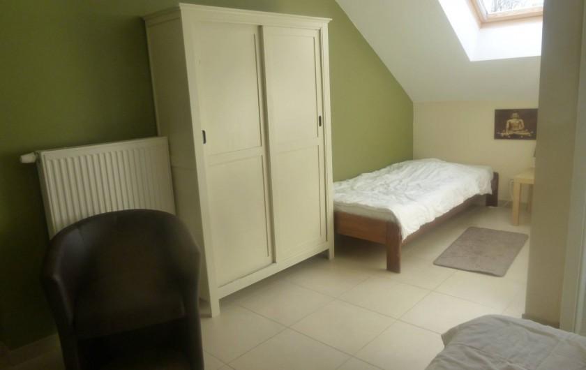Location de vacances - Gîte à Stavelot - chambre pour 3 personnes avec salle de bain