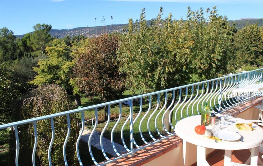 Location de vacances - Villa à Grasse - Le balcon au premier étage