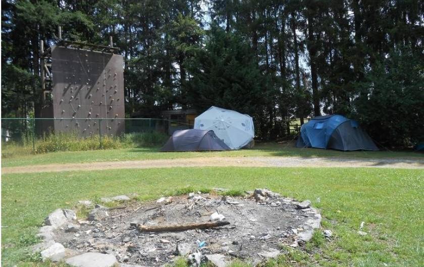 Location de vacances - Gîte à Dinant - Nous avons deux emplacements pour faire un feu de camp