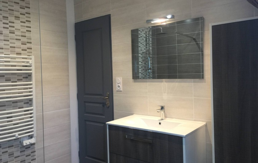 Location de vacances - Gîte à Meursault - Salle de bain .