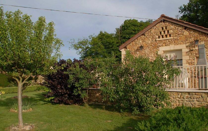 Location de vacances - Gîte à Prats-de-Carlux - Jardin coté terrasse