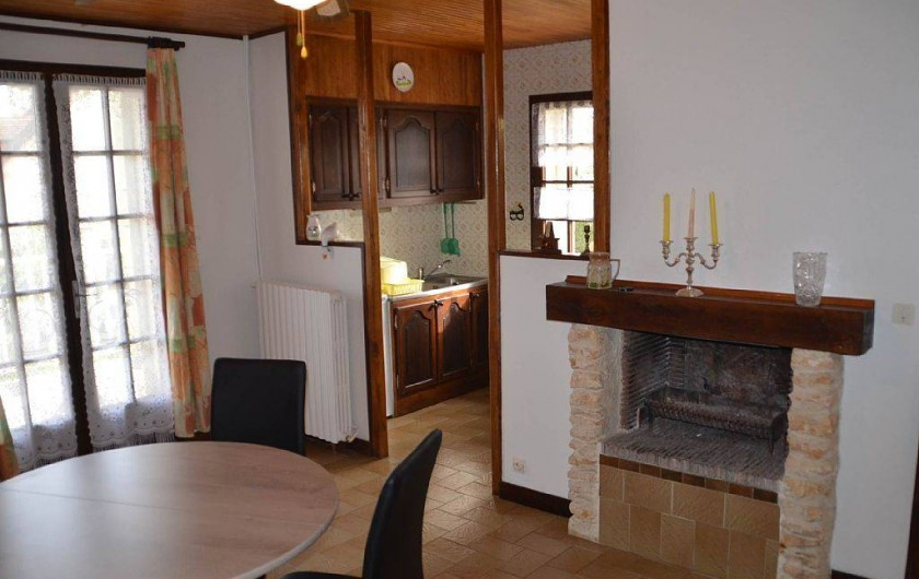 Location de vacances - Gîte à Prats-de-Carlux - Cuisine sur la droite