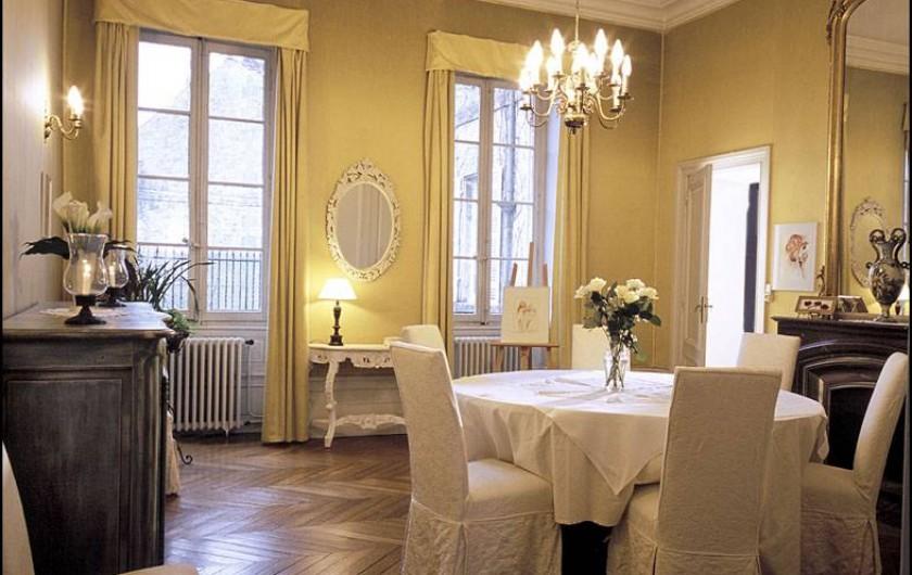 Location de vacances - Chambre d'hôtes à Saintes - Salle à manger