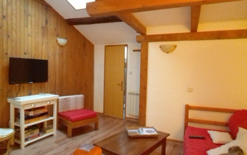 Location de vacances - Appartement à Embrun - salon au 1er étage