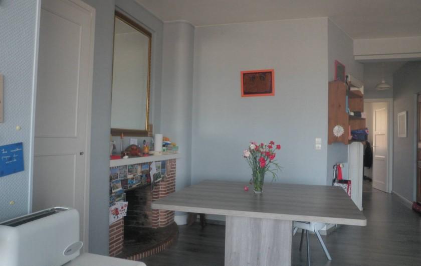 Location de vacances - Appartement à Le Touquet-Paris-Plage - la grande table pour cuisiner mangerfaire ses devoirs de vacance jouer aussi :-)